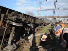 Девять вагонов сошли с рельсов в Красноярске