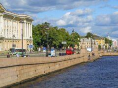 Петербург: На Университетской набережной из Невы выловили труп мужчины