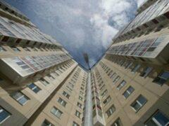Девятиклассница употребила наркотики и выпала с 17-го этажа в Москве