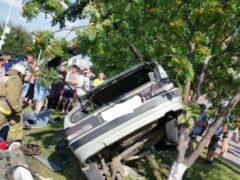 Водитель сбил пожилую пару и через две минуты попал в ДТП