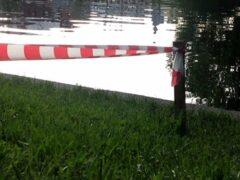 В Новокузнецке нашли тело утонувшего возле кафе мужчины