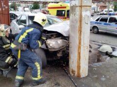 Петербург: После ДТП на проспекте Славы водитель попал в реанимацию