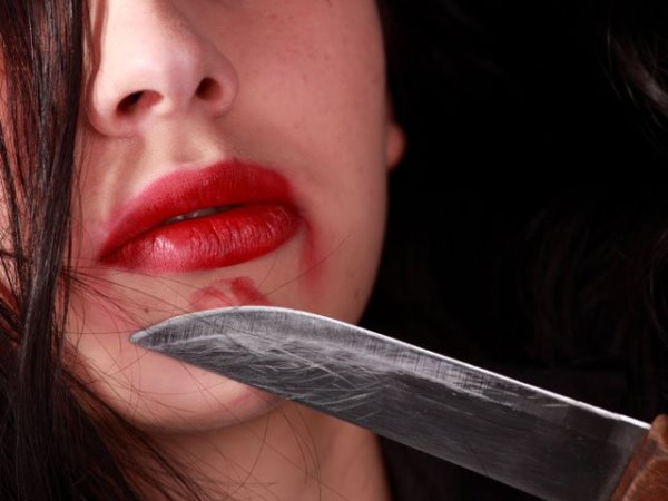 нож женщина