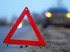 В Анжеро-Судженске автомобиль Ford сбил мужчину на остановке