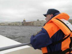 Петербург: Из Невы у набережной Лейтенанта Шмидта извлекли тело утопленника