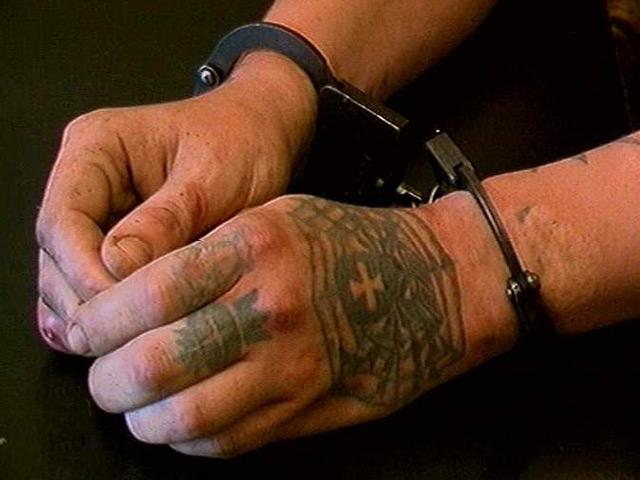 наручники руки наколки