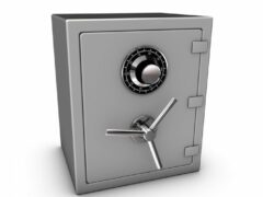 В Челябинске из квартиры вынесли сейф с миллионом рублей