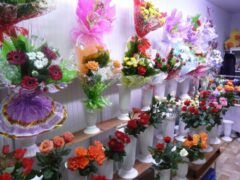 В Перми вооруженные ножницами налетчики ограбили цветочный магазин