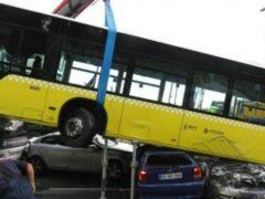 В Турции задержали напавшего с зонтом на водителя автобуса мужчину