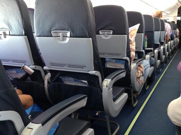 Наборту самолета Новосибирск-Петербург скончался пассажир