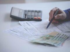Петербурженку выселяют из квартиры за долги