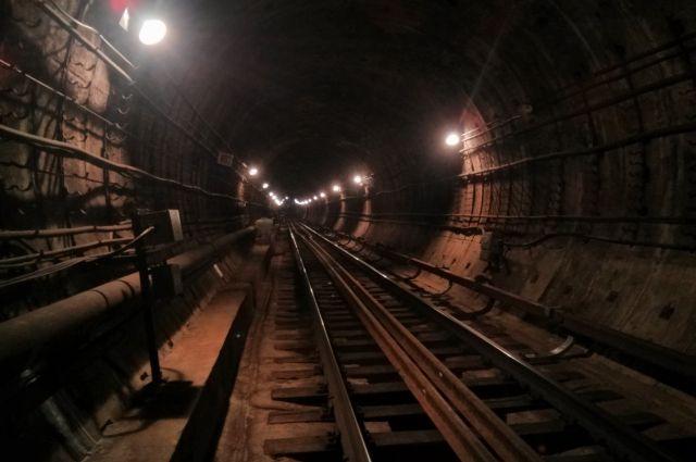 метро рельсы