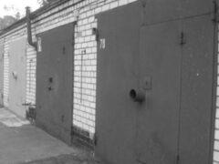 В Воронеже в гараже нашли повешенным 55-летнего мужчину