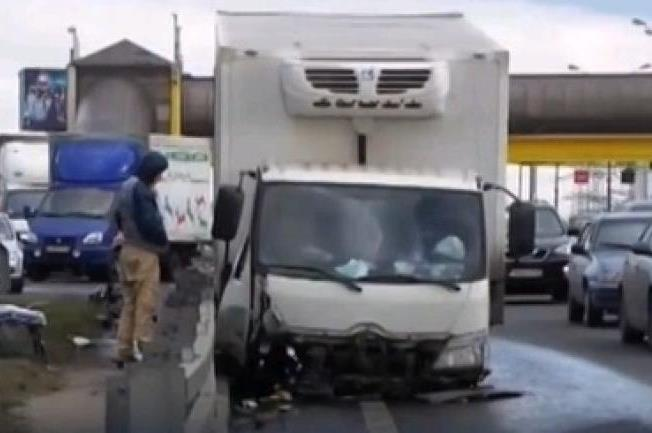 ДТП грузовик без колес