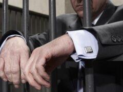 В Ростовской области адвокат больше года получал пенсию умершего отца