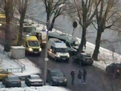 В Петербурге два человека пострадали в ДТП с маршруткой и деревом