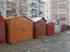 В Петербурге полиция обнаружила в заброшенном ангаре угнанные машины