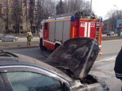 В Невском районе Петербурга сгорел Mercedes