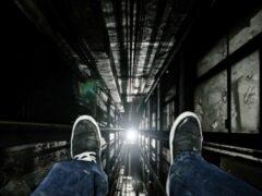 В Астрахани восьмилетний мальчик упал в шахту лифта