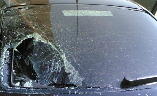 авто разбито стекло