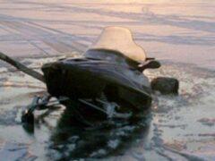 В Мурманской области нашли тело мужчины, который утонул на снегоходе