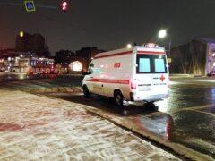 В Петербурге девушка выпала с балкона во время телефонного разговора
