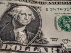 В Узбекистане тракторист, притворяясь врачом, заработал $500 тысяч