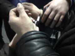 В Красноярске двое пьяных пассажиров избили и ограбили водителя