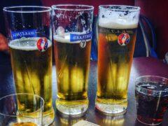 В Бийске 17-летняя девушка похитила из магазина пиво, семечки и кексы