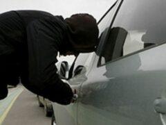 В Воронеже автомойщик 8 марта угнал Kia Rio у постоянной клиентки