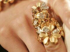 В Тамбове цыганки сняли со студентки «порчу» и золотые украшения