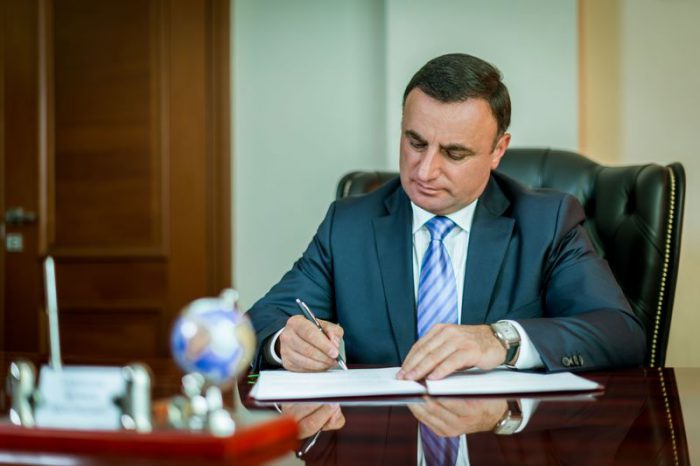 Сурмалян Арутюн Арменакович - биография