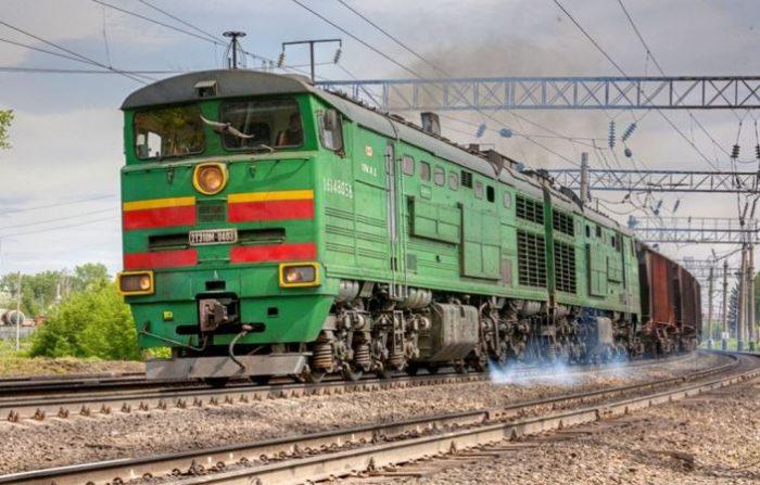 __грузовой поезд