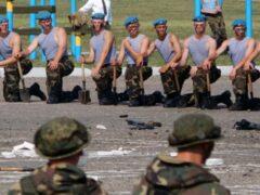 Белорусские десантники разрывали живых лягушек и ужей на глазах детей