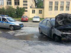 В Вологде сотрудники Росгвардии ликвидировали возгорание автомобиля