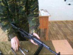 Палец подростка застрял в прикладе автомата во время урока в Ярославле