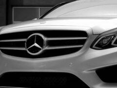 В Москве злоумышленник под видом покупателя угнал Mercedes