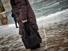 Сотрудник супермаркета обворовал пенсионерку в Ростовской области
