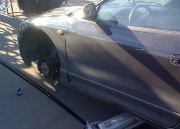 __автомобиль сняли колеса похитили