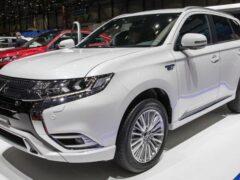 Mitsubishi Outlander нового поколения стал похож на Nissan Juke и X-Trail