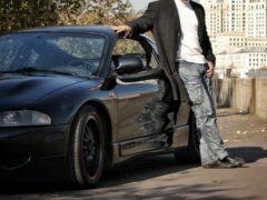 Во сколько обходится ежемясячная заправка автомобиля россиянам