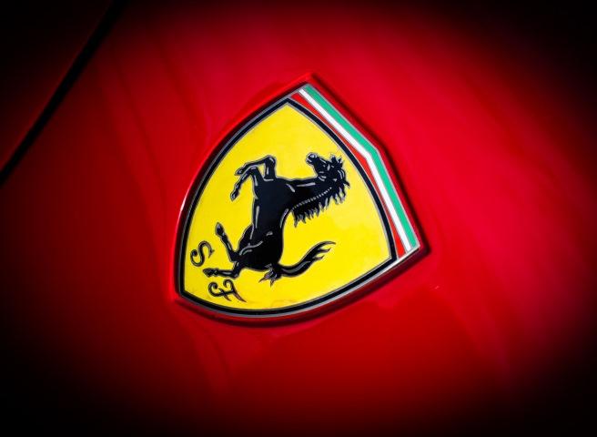 __авто Ferrari значок