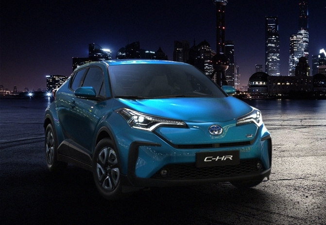 Toyota электрокроссовер C-HR