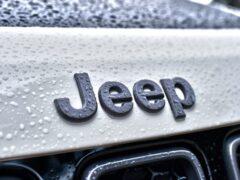 Jeep сократил продажи в России на 24% в августе