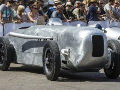 Mercedes-Benz привезёт на выставку спорткар по прозвищу «огурец»