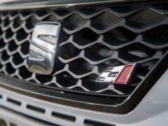 Новый Leon Cupra ST замечен на тестах