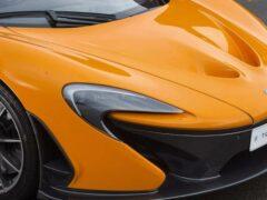 Гиперкар McLaren поучаствовал в гонке с истребителем F-35