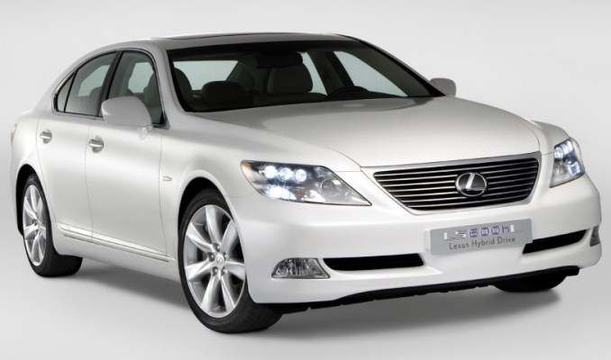 Lexus LX600