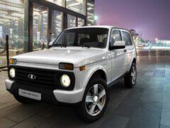 В Сети появились новые фото салона рестайлинговой Lada 4×4