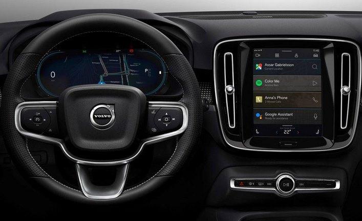 Volvo XC40, мультимедийная система